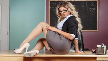 เย็ดอาจารย์ เย็ดหี เย็ด18+ หีอาจารย์ หีฝรั่ง